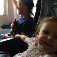 How to have a stress free plane journey to your holiday destination with kids in tow